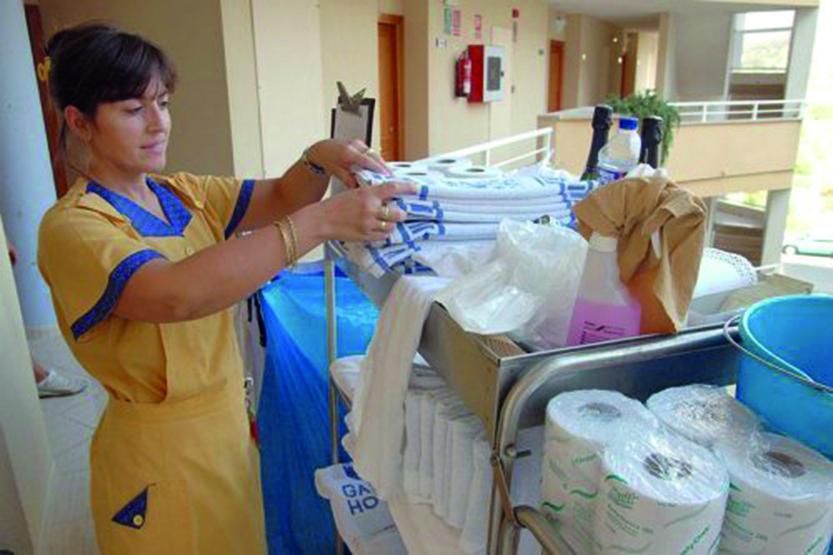 Las camareras de piso un ejemplo claro de for Trabajo de camarera de pisos